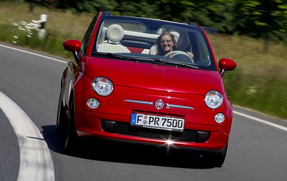 Hoffnungsträger nach Auslaufen der staatlichen Umweltprämie: der neue FIAT 500C (Bild: Fiat)