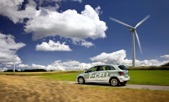 Daimler arbeitet an umweltfreundlichen Fahrzeugen (Foto: Daimler AG)