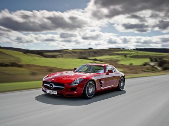 Mercedes-Benz_SLS_AMG_fahrt