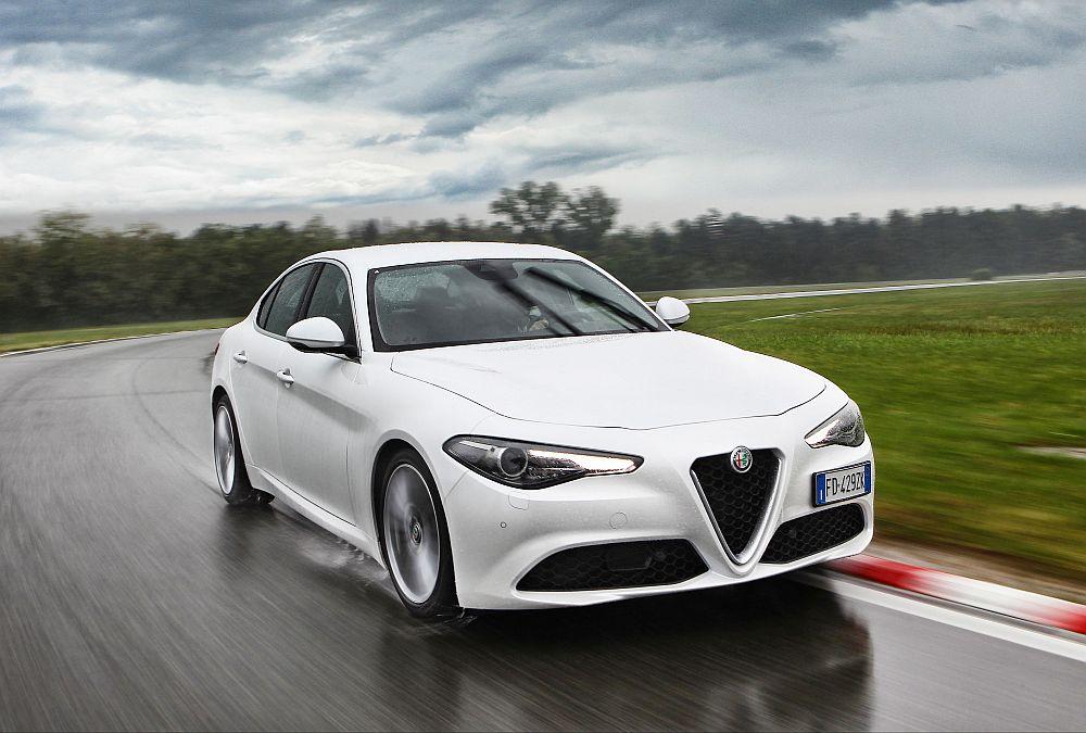 Alfa Romeo Giulia weiss